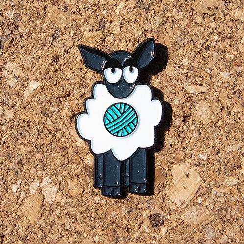 Yarn Ewe - enamel pin