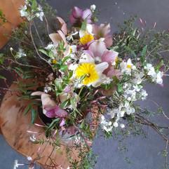 daffidol bouquet (web version).jpg