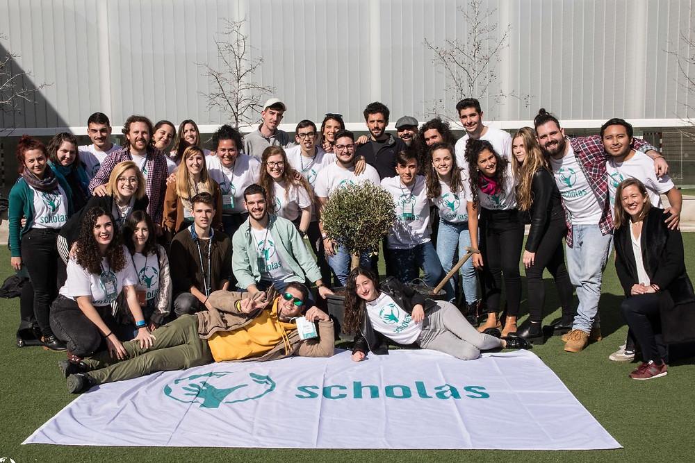 Equipo de voluntarios de la segunda experiencia de Scholas Ciudadanía en Granada