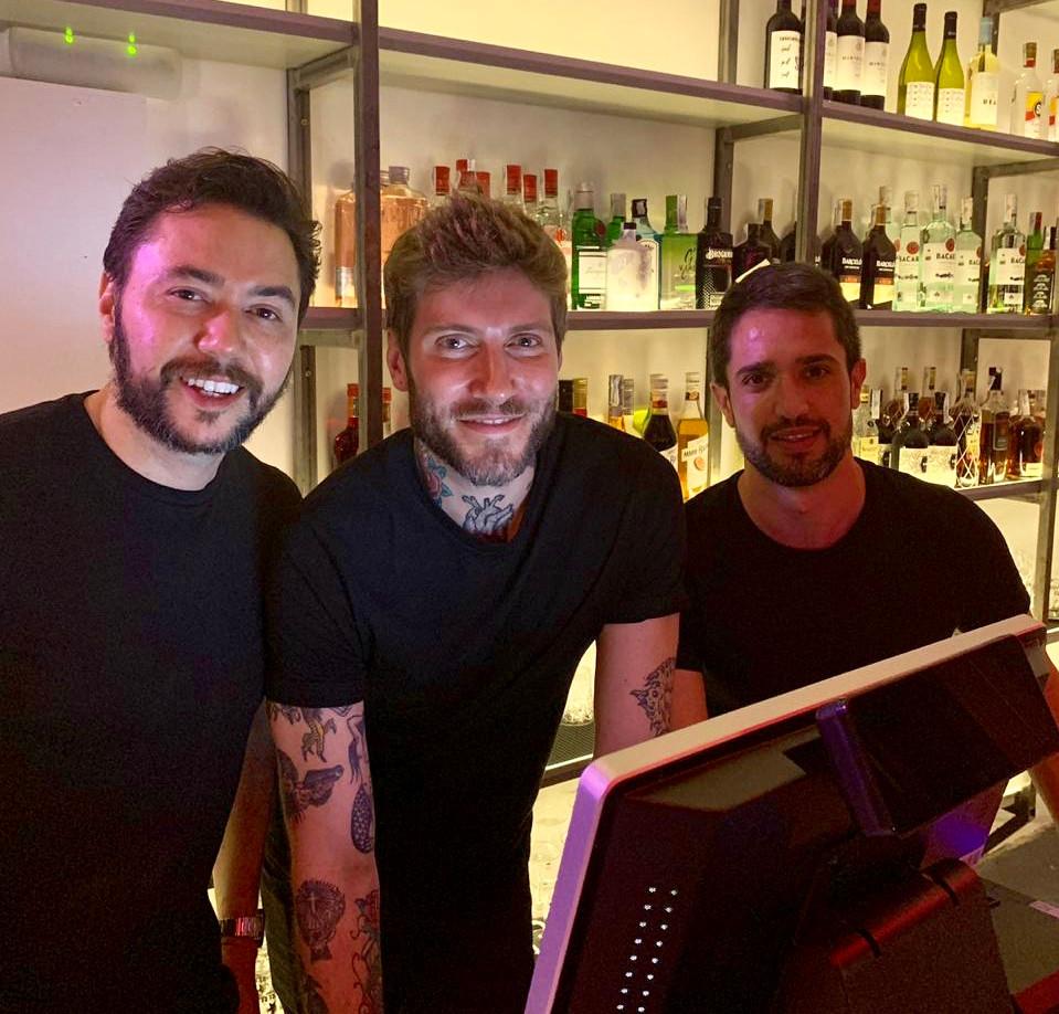 Diego Kaupp, Ramon Porteiro y Alexandre Pacheco, creadores de Tropicalista