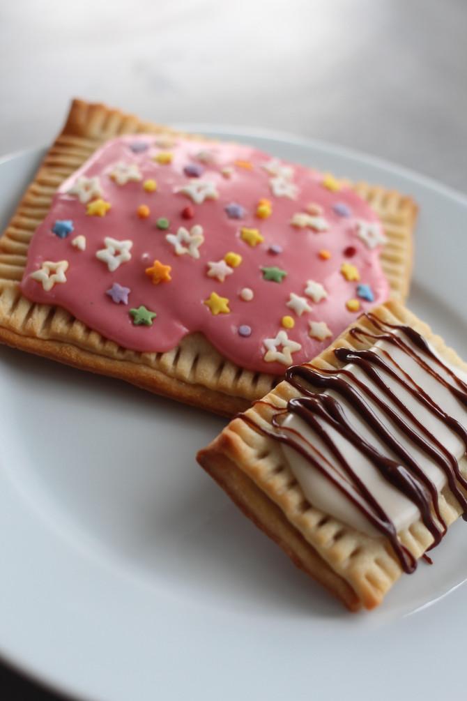 Homemade mini Pop-tarts (Strawberry and Nutella)