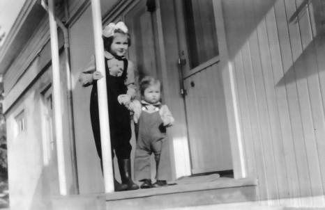 Eli Eriksen (Frydenborg) og Gerd Eriksen (Næss)