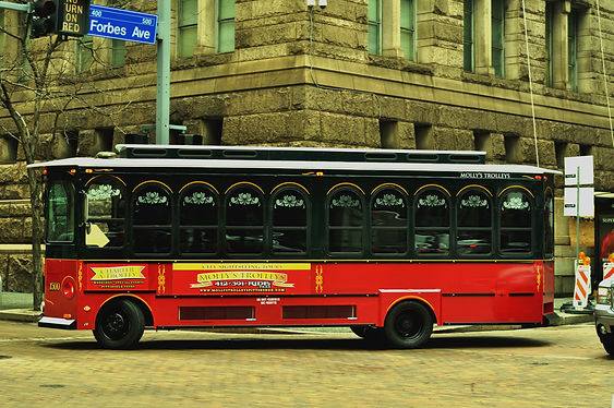 Molly's Trolley's Downtown Forbes Avenue