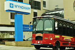 Molly's Trolleys at Wydham University Center in Oakland