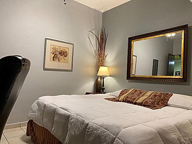King bed near expo-guadalajara, jalisco,