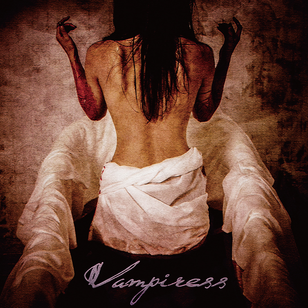 1st full album「Vampiress」初回限定盤