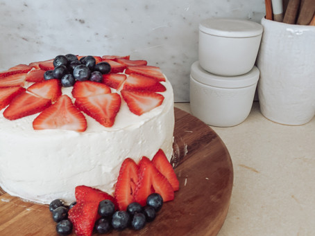 Easy Summer Cake with Berries