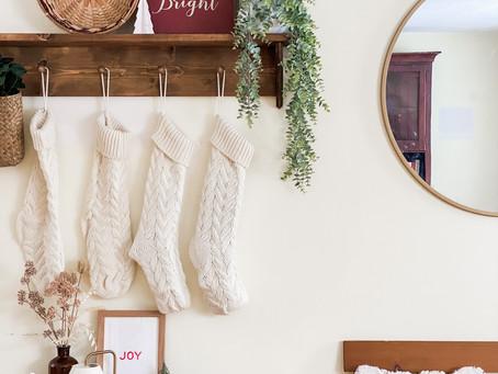 DIY Cottage Style Shake Peg Entryway Shelf