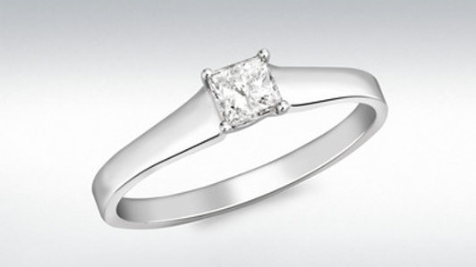 18ct White Gold .25pt diamond ring