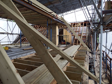 Carpenters in Kent new roof on an extension fitting the first few common rafters