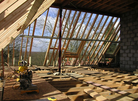 Carpenters in Kent fitting a cut and pitch roof ready for tiling