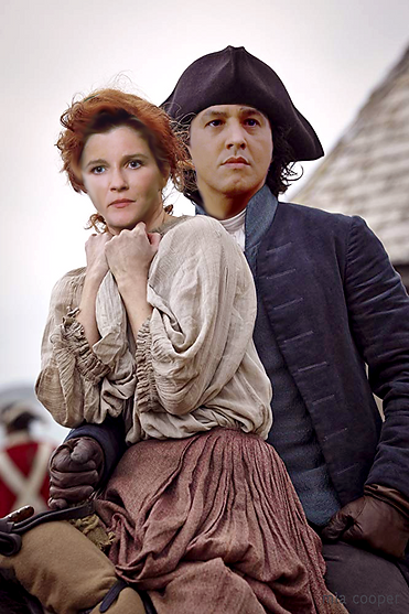 lady kathryn and captain chakotay.png