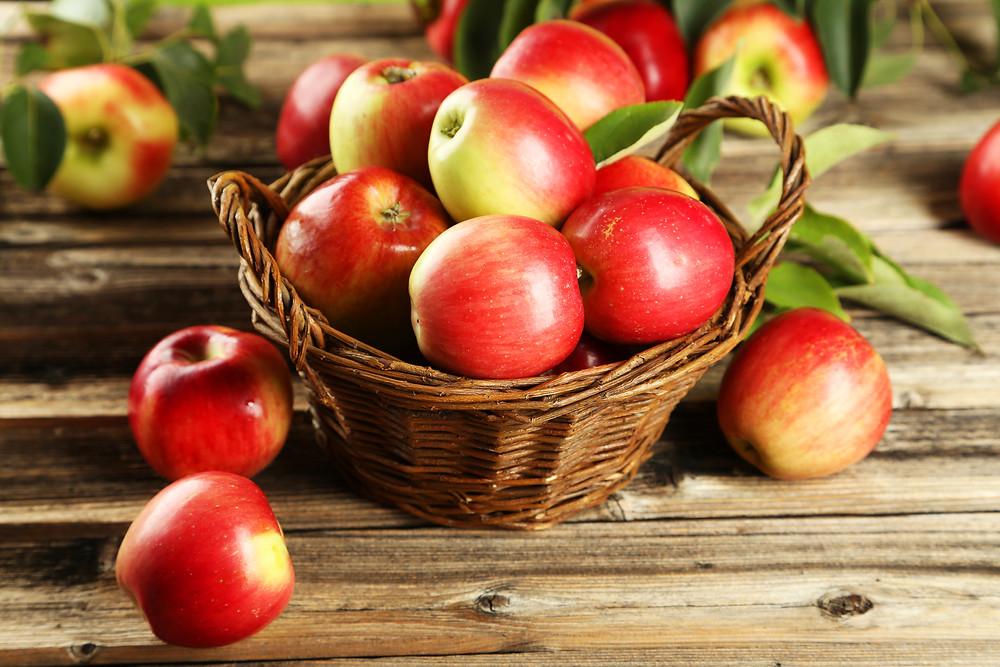 Apples in basket, red apples, beautiful apples