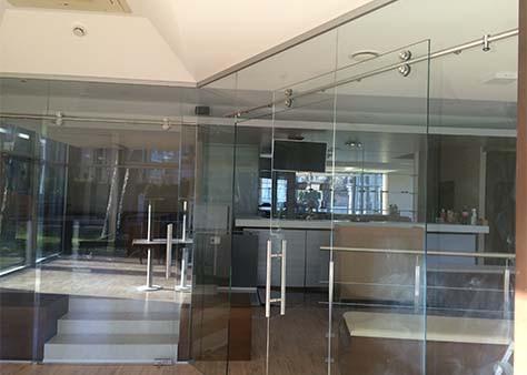 stikla starpsienas
