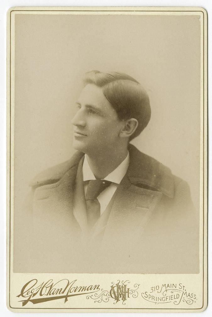 grazie a lui si giocò la prima partita europea nel 1893, a Parigi