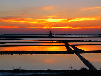 sunset-595490_1920_edited.jpg