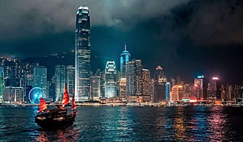 Hong Kong Victoria Harbor night view.jpg