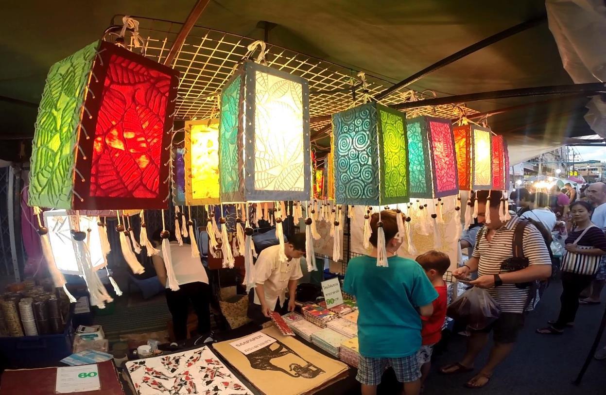 Ночные рынки в Чиангмае.jpg