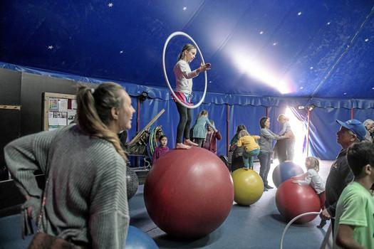 Цирк Cabuwazi в Берлине.jpg