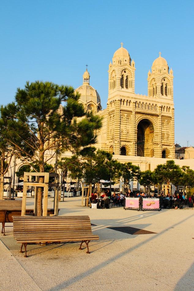 Кафедральный собор Марселя.jpg