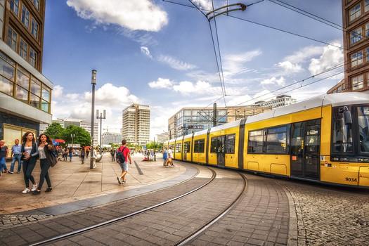 Александерплац транспорт.jpg