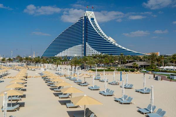 Джумейра-Бич-отель Дубай.jpg