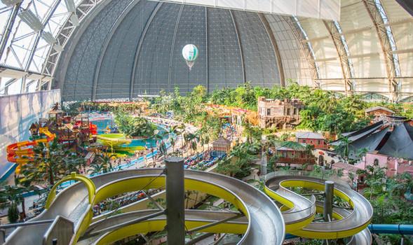 Аквапарк Tropical Island в Берлине.jpg