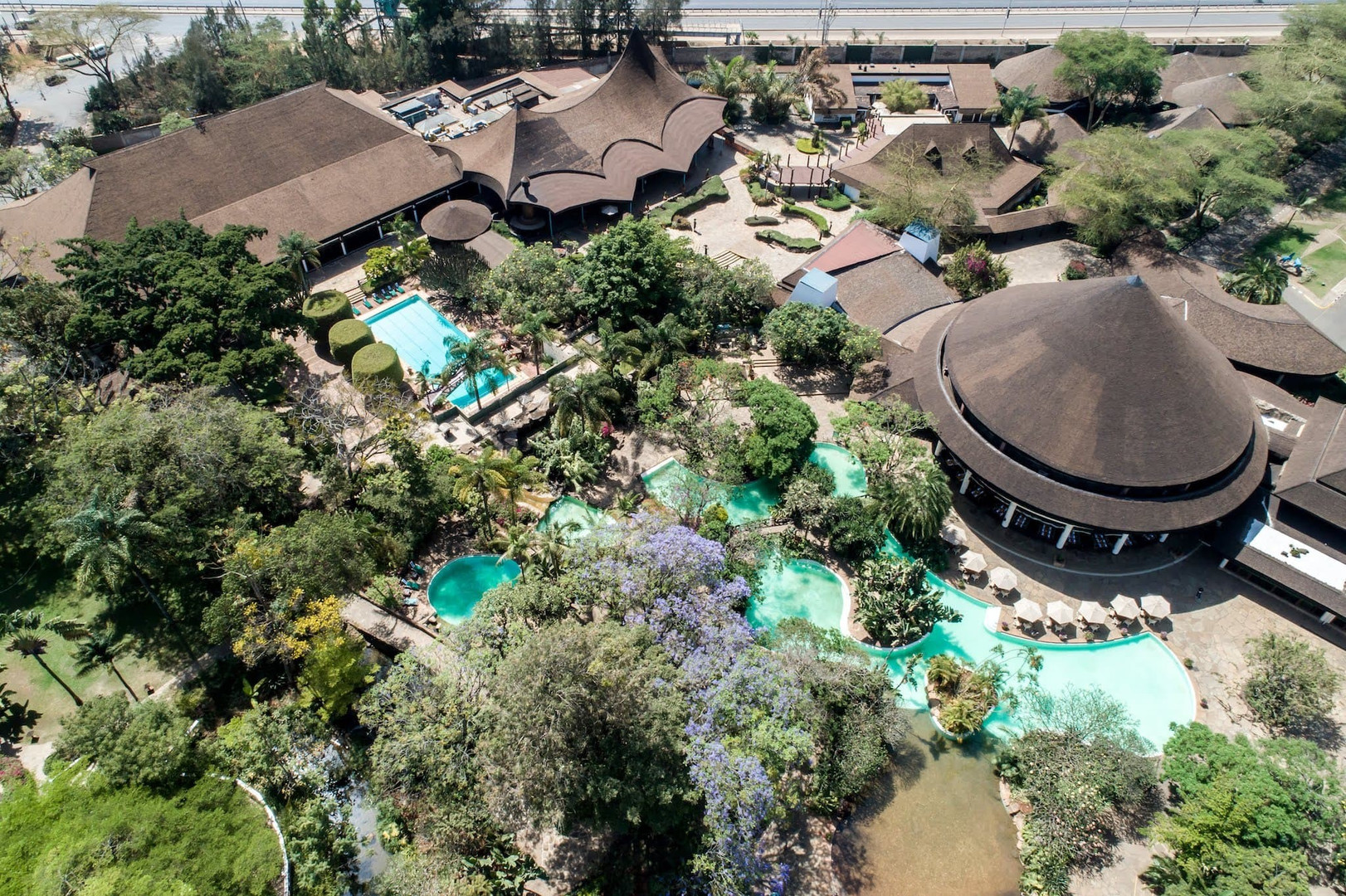 Safari park hotel Найроби.jpeg