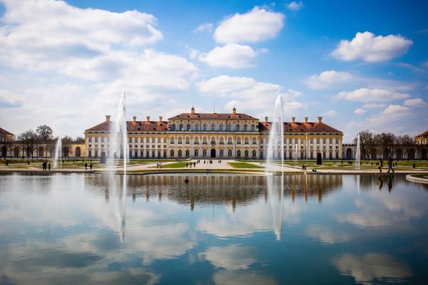 Дворец Шлайсхайм Мюнхен.jpg