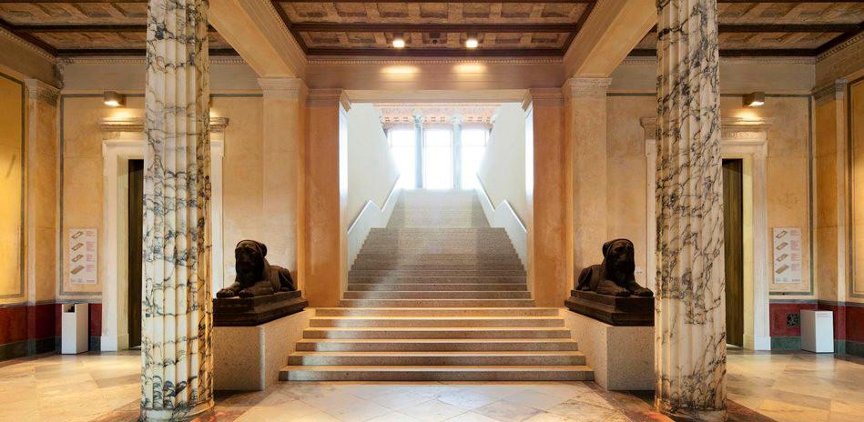 Новый Музей Зал.jpg