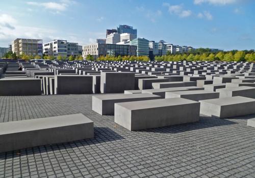 Мемориал жертвам Холокоста в Берлине.jpg