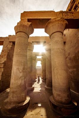 Древние постройки Луксора.jpg