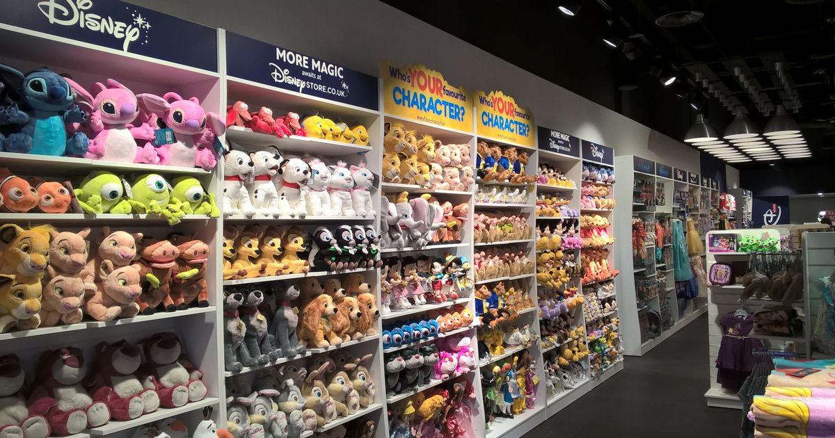 Детские игрушки в магазине Дисней Париж.