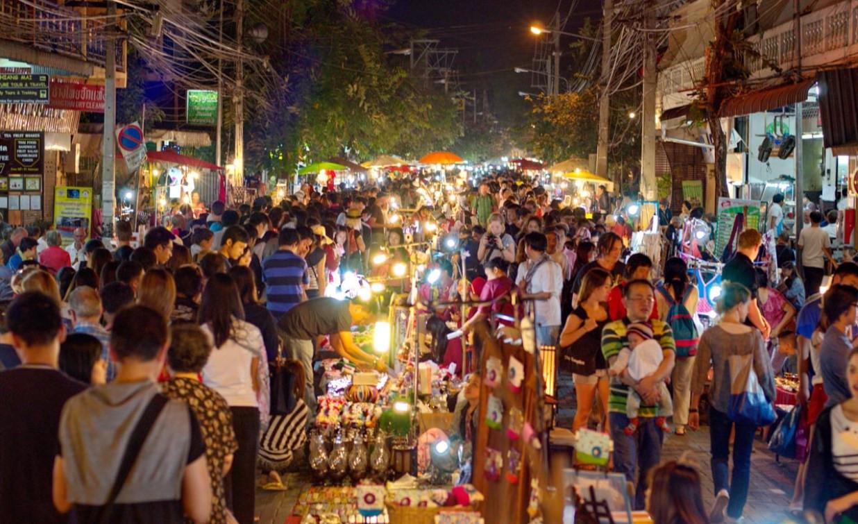 Ночной рынок Чиангмай.jpg