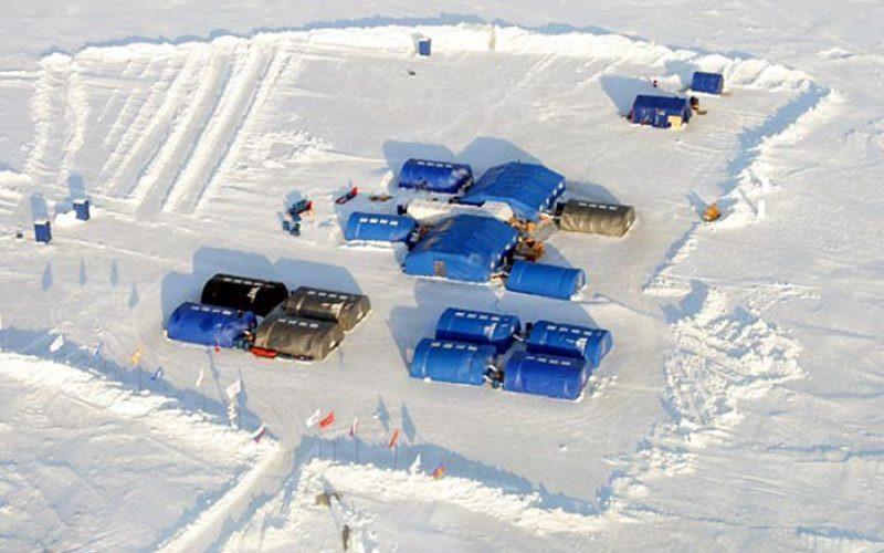 Ледовый лагерь в Арктике.jpg