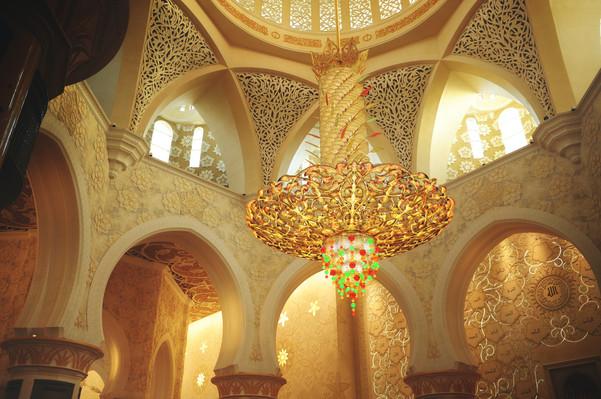 Хрустальная люста в Мечете шейха Зайда в