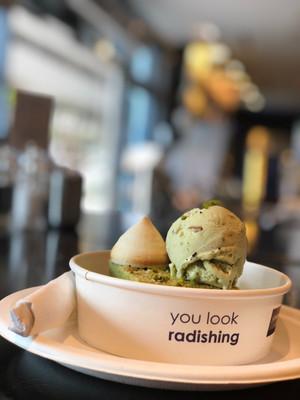 Десерты в Абу-Даби.jpg