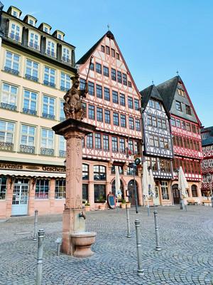 площадь Рёмерберг Франкфурт.jpg