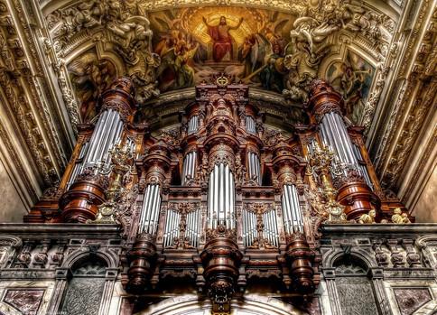 Берлинский кафедральный собор орган.jpg