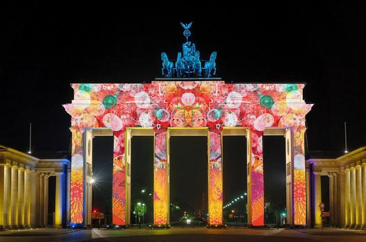 Бранденбургские ворота Берлин.jpg