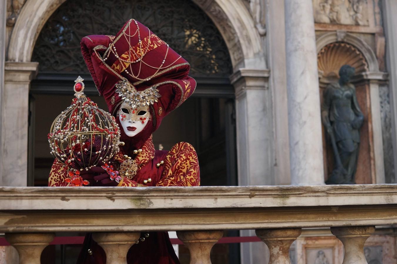 Венецианский карнавал в Венеции.jfif