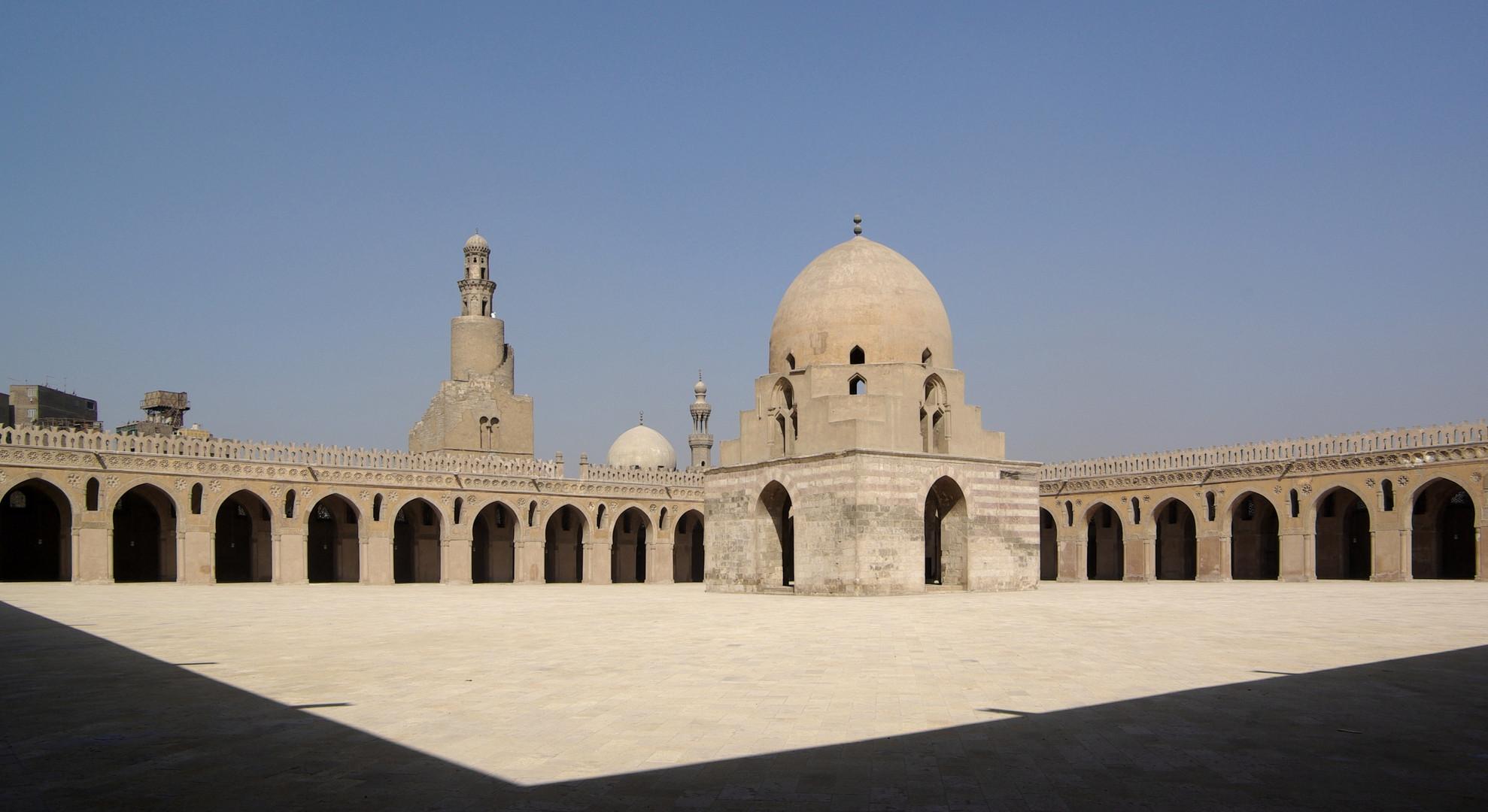 Мечеть Ибн Тулуна Каир.jpg