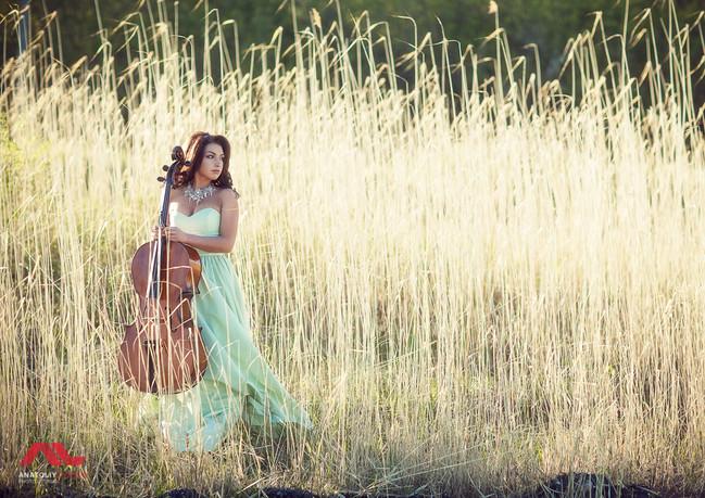 Фото с виолончелью