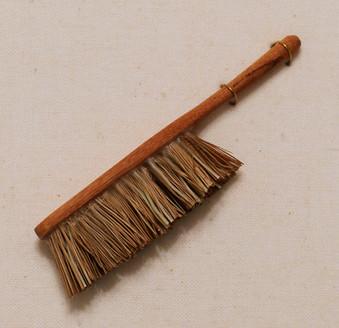 hand broom.jpg