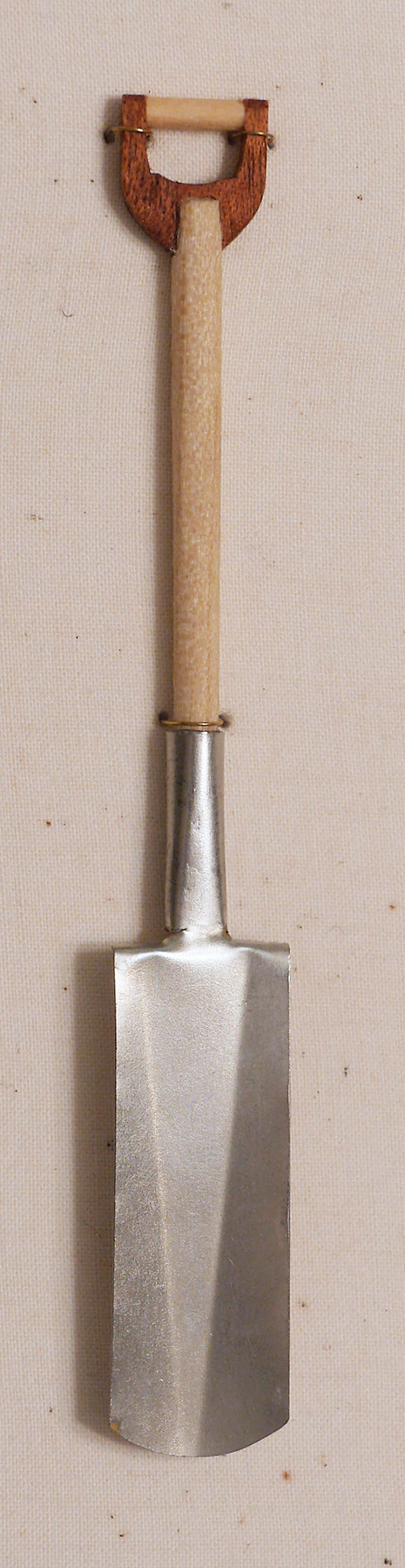 a_shovel.jpg