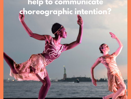 How do movement components help to communicate choreographic intention?