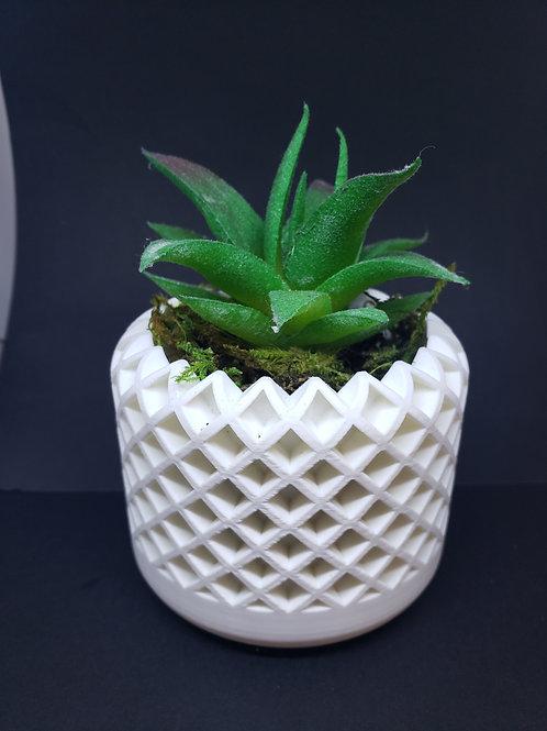 Plant pot Diamond cutout style