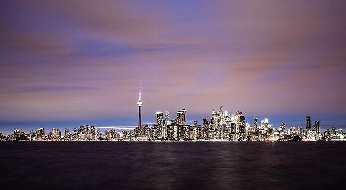 Toronto%20skyline-night%20arty_edited.jp