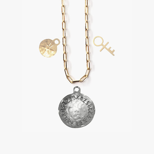Pendentif Médaille unique et 2 amulettes au choix