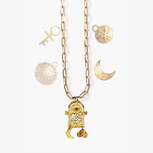 Pendentif Autel et 4 amulettes au choix